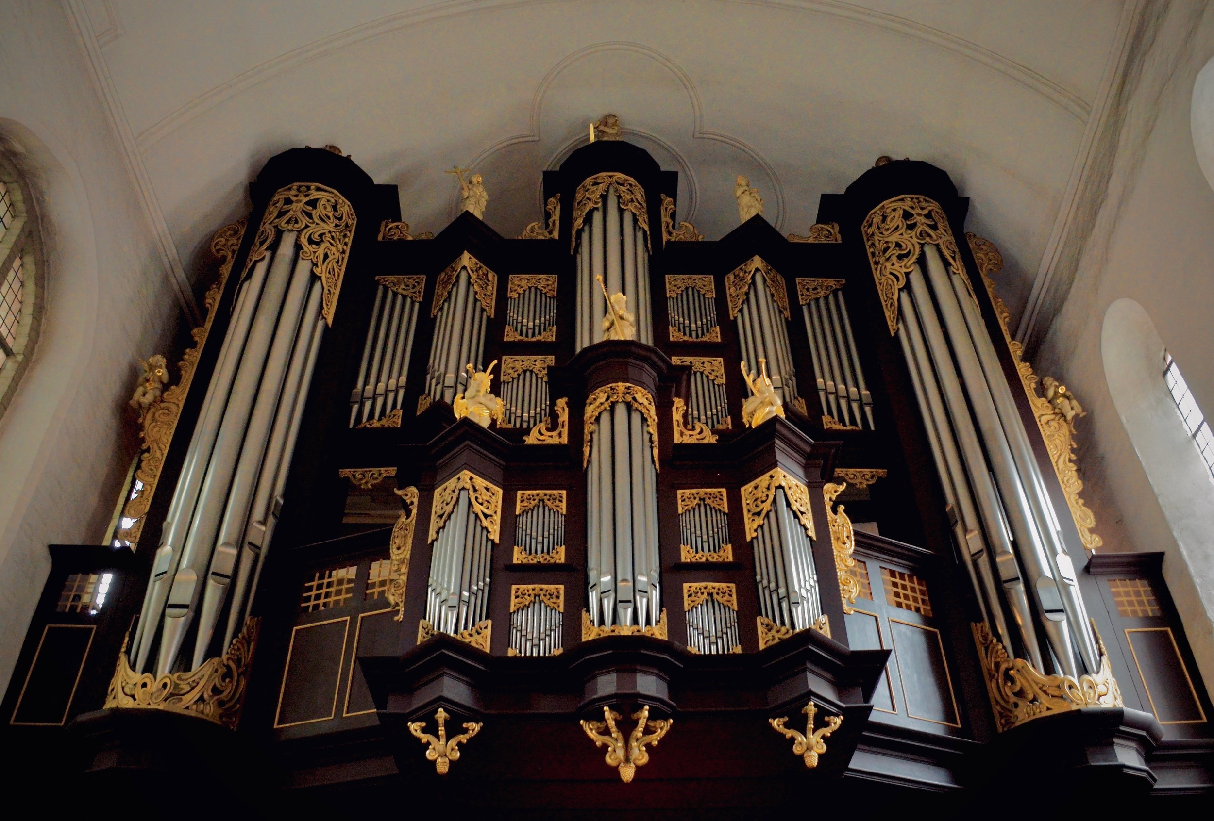 1669–73 Huß/Schnitger organ in St. Cosmæ, Stade. Boston Organ Studio.
