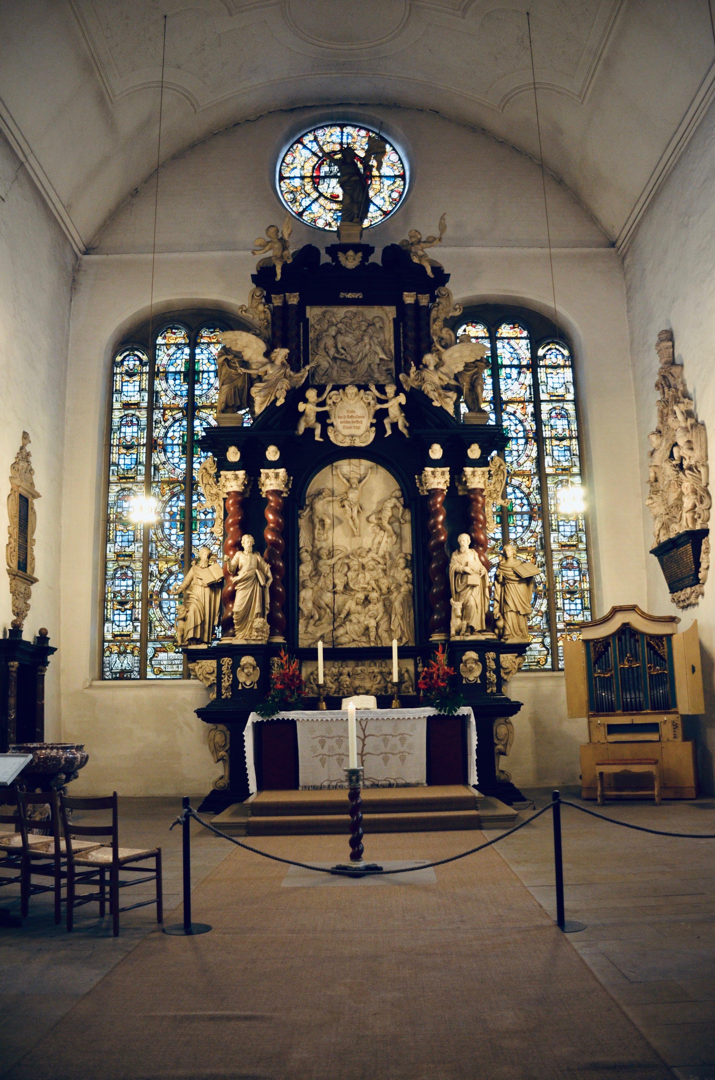 Altar, St. Cosmæ, Stade. Boston Organ Studio.
