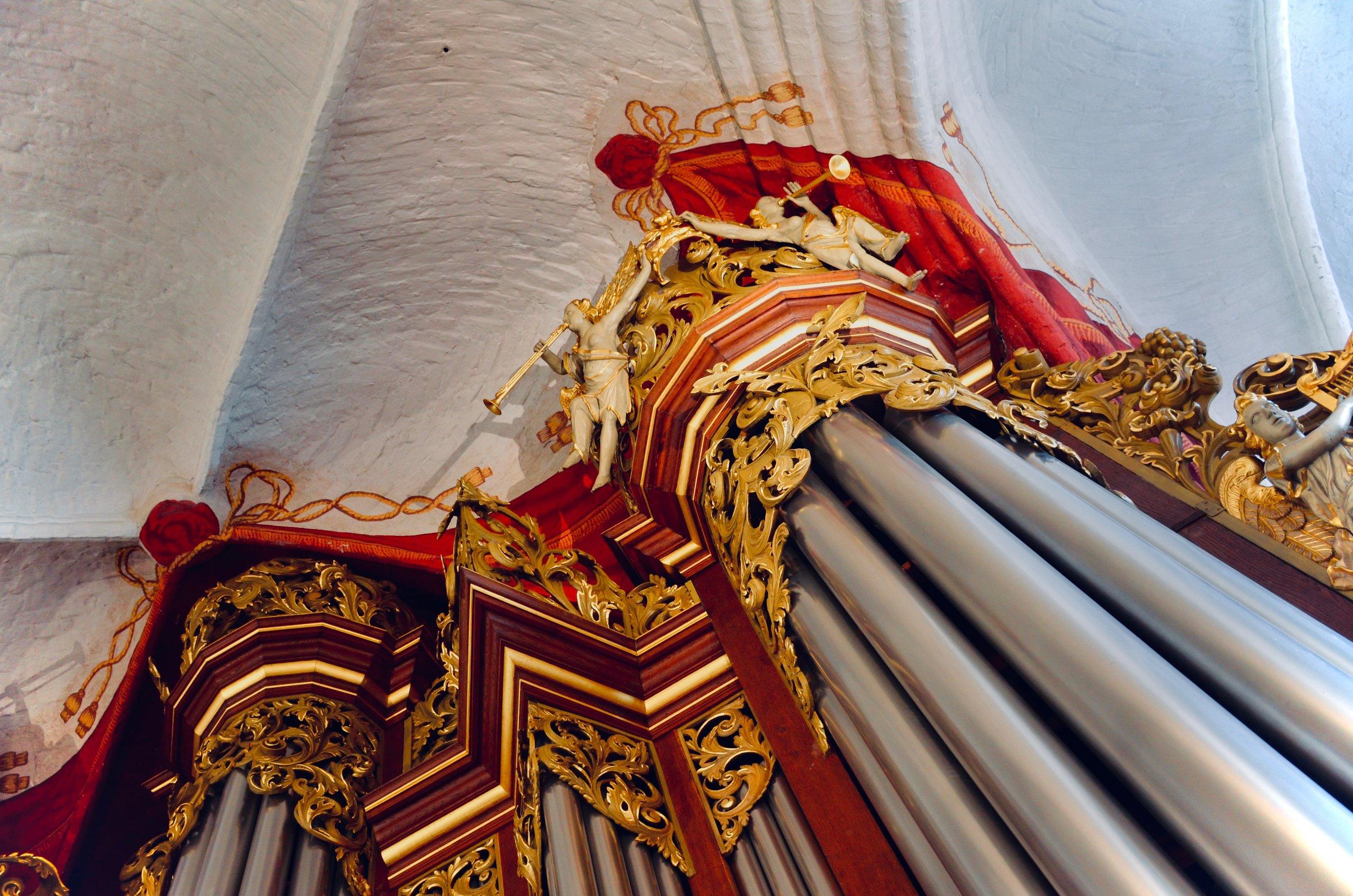 1736 Bielfeldt organ in St. Wilhaldi, Stade. Boston Organ Studio.