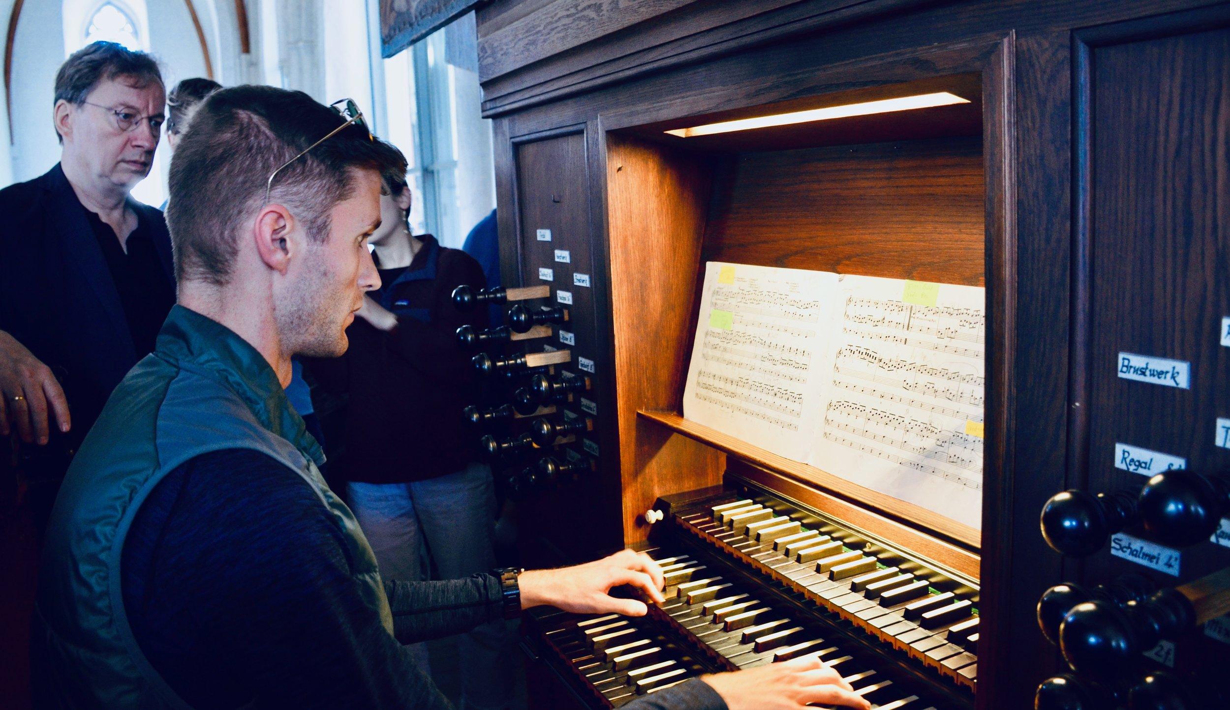 Evan Curries plays the 1637 Stellwagen Organ, St. Jakobi, Lübeck.