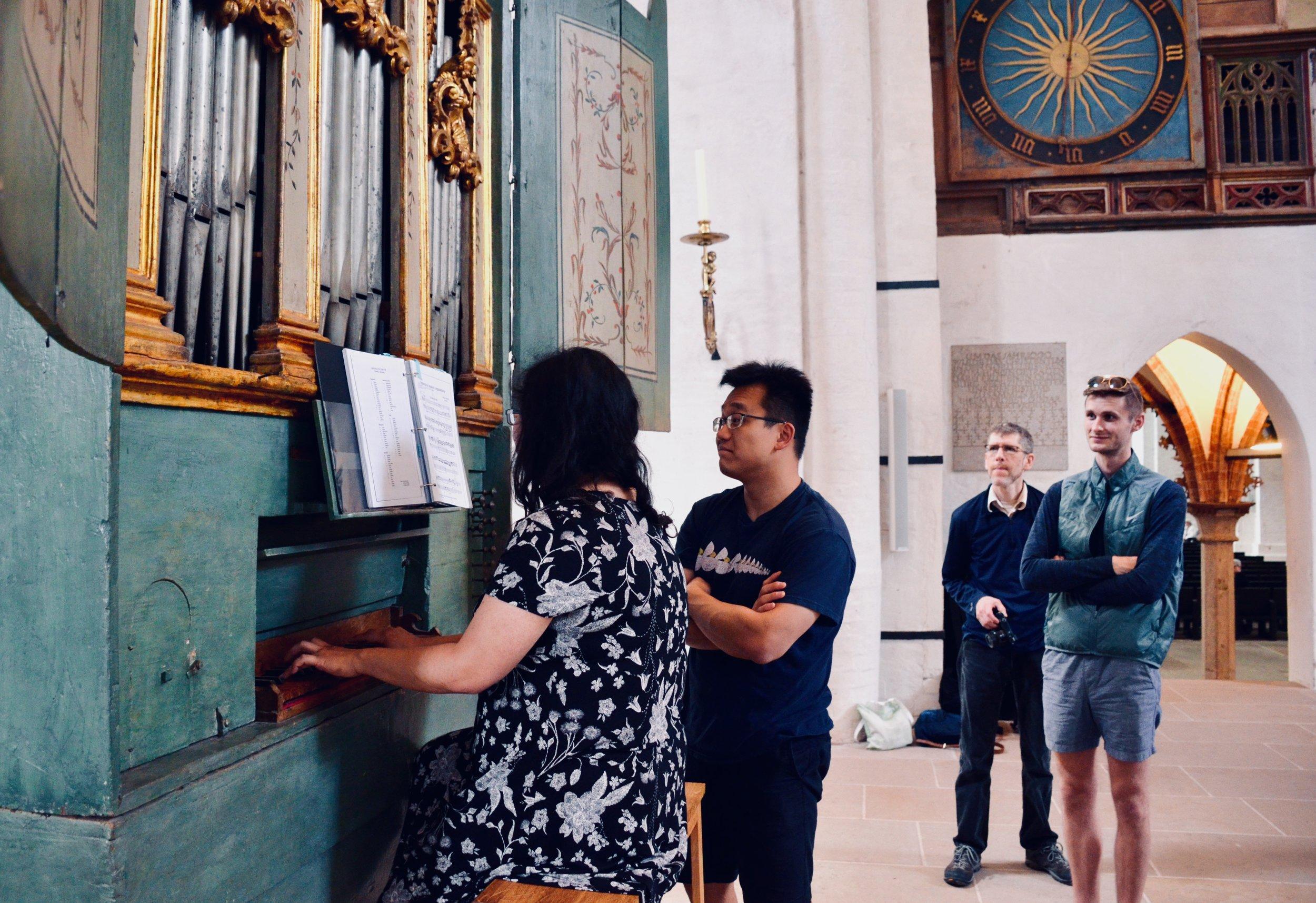 Jennifer Hsiao plays the 1777 Italian Baroque organ in Lübeck Dom.