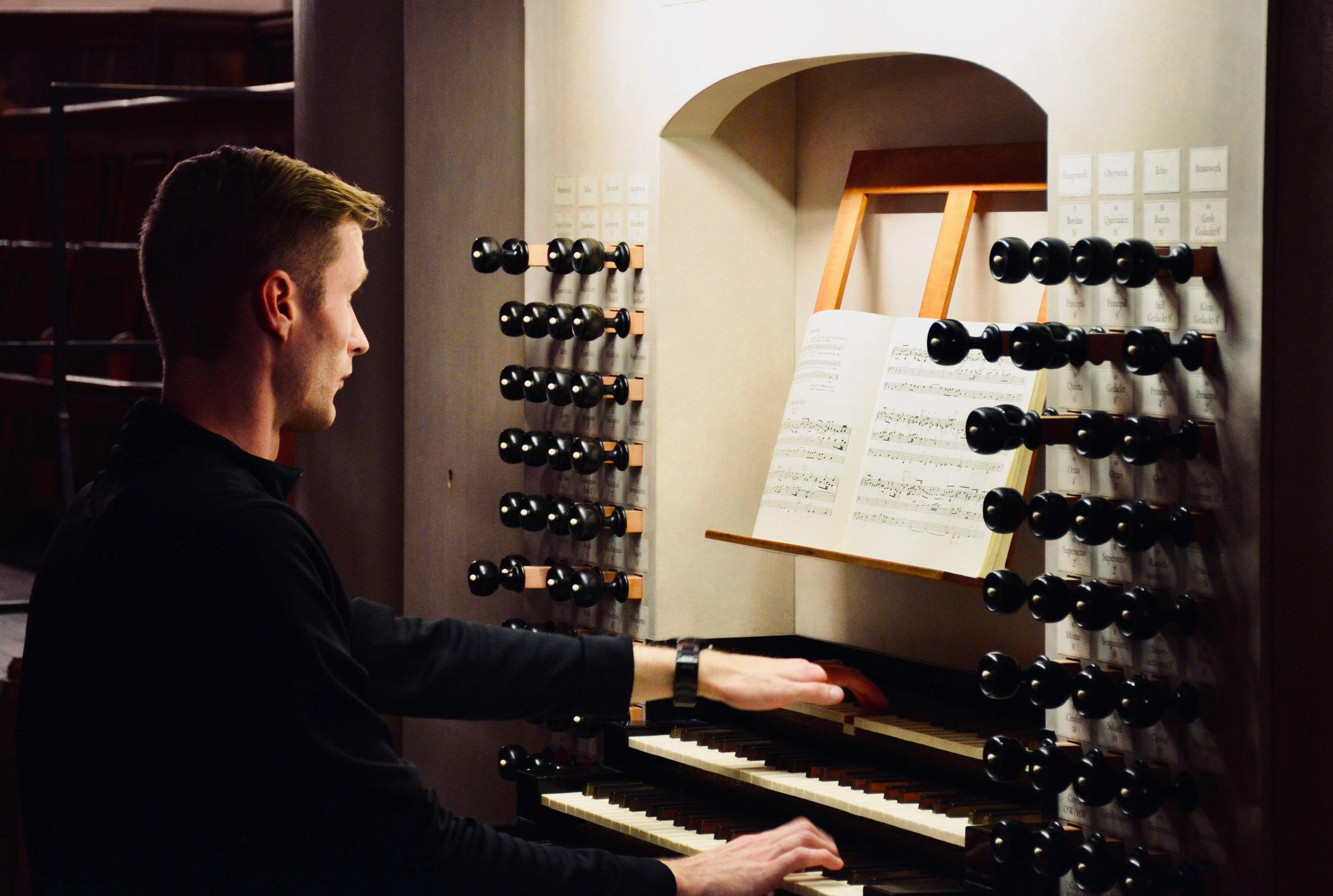 "Evan Currie plays the 2000 Woehl ""Bach Organ,"" Thomaskirche, Leipzig."