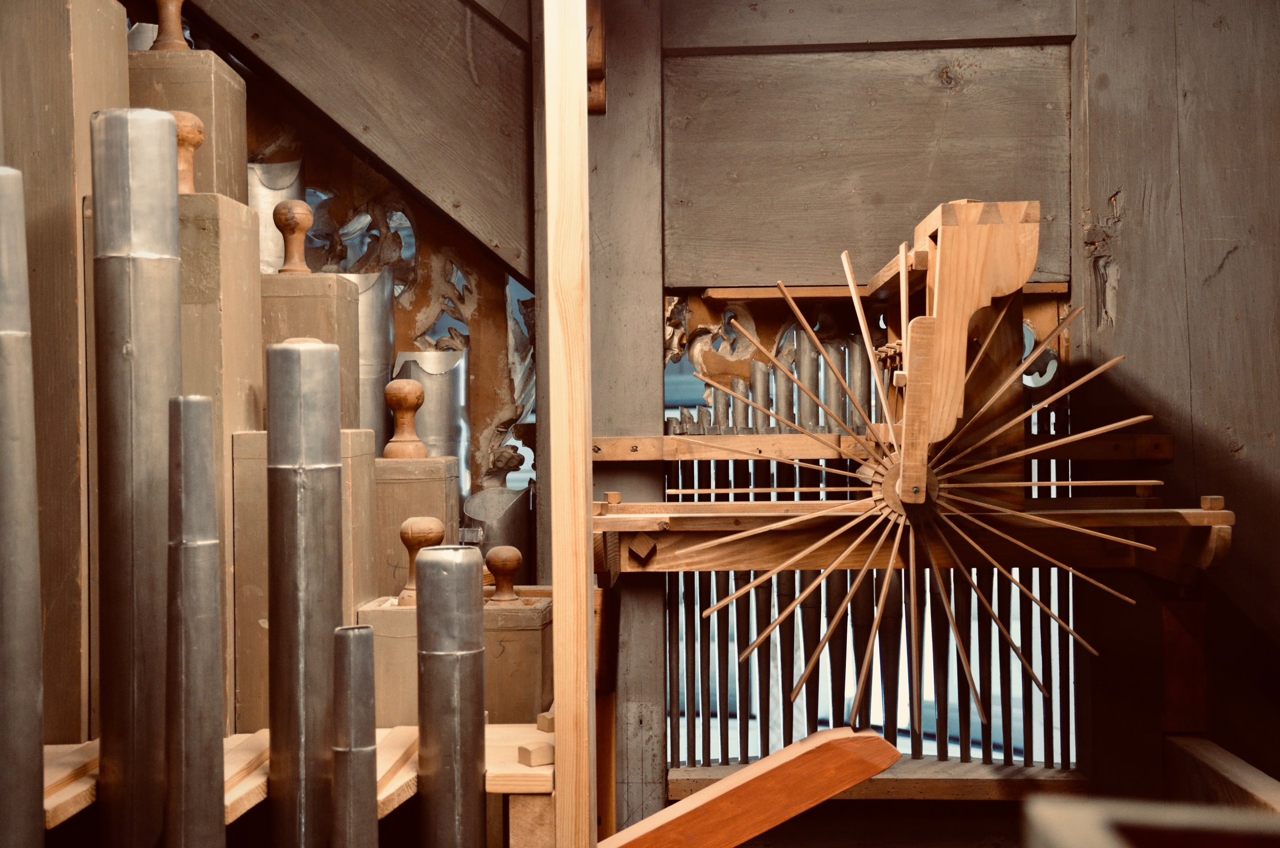 Mechanical detail, including rear of Zimbelstern. 1730 Trost Organ, Stadtkirche, Waltershausen.