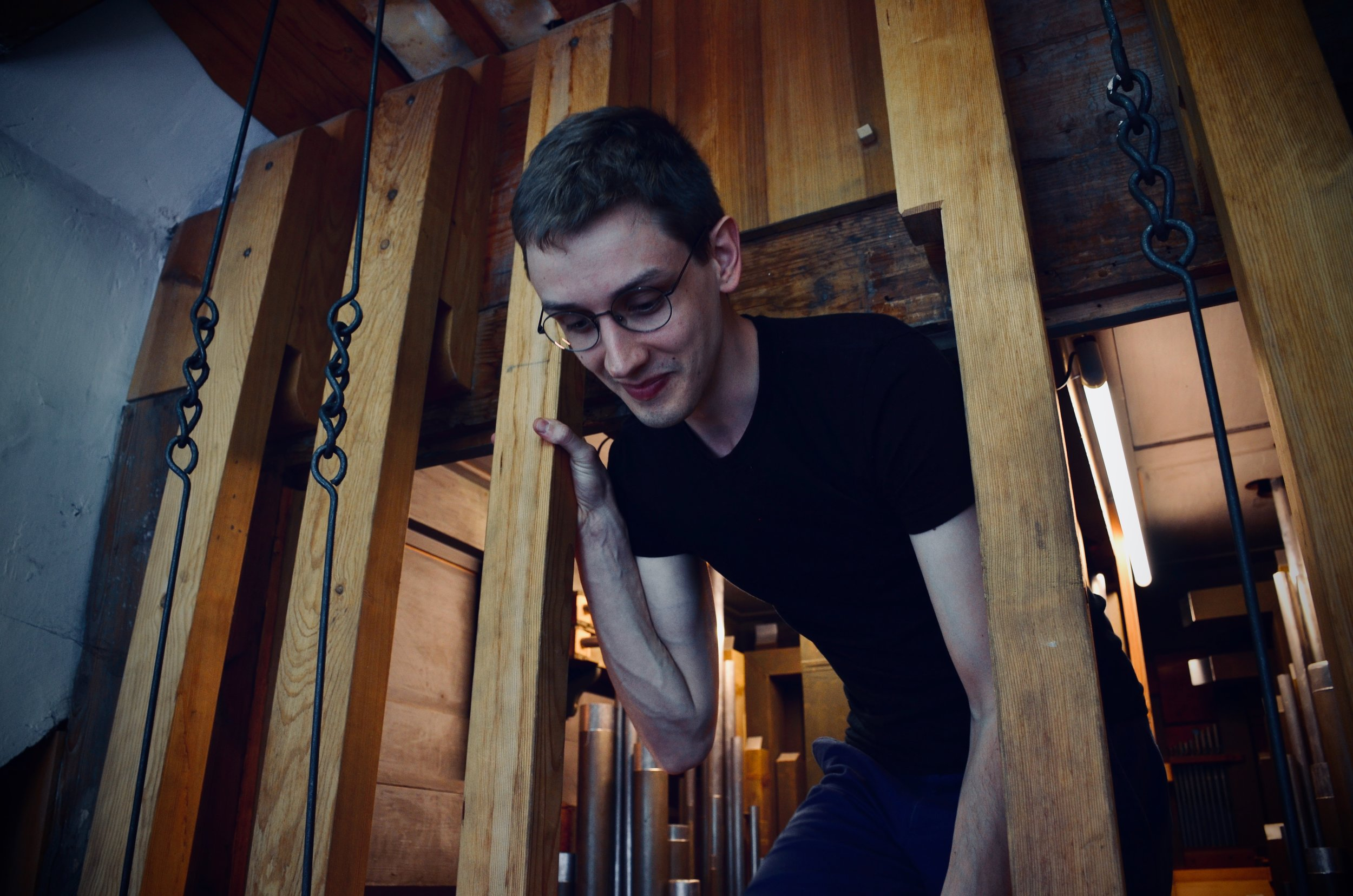 Alex Ross explores the insides of the 1730 Trost Organ, Stadtkirche, Waltershausen.