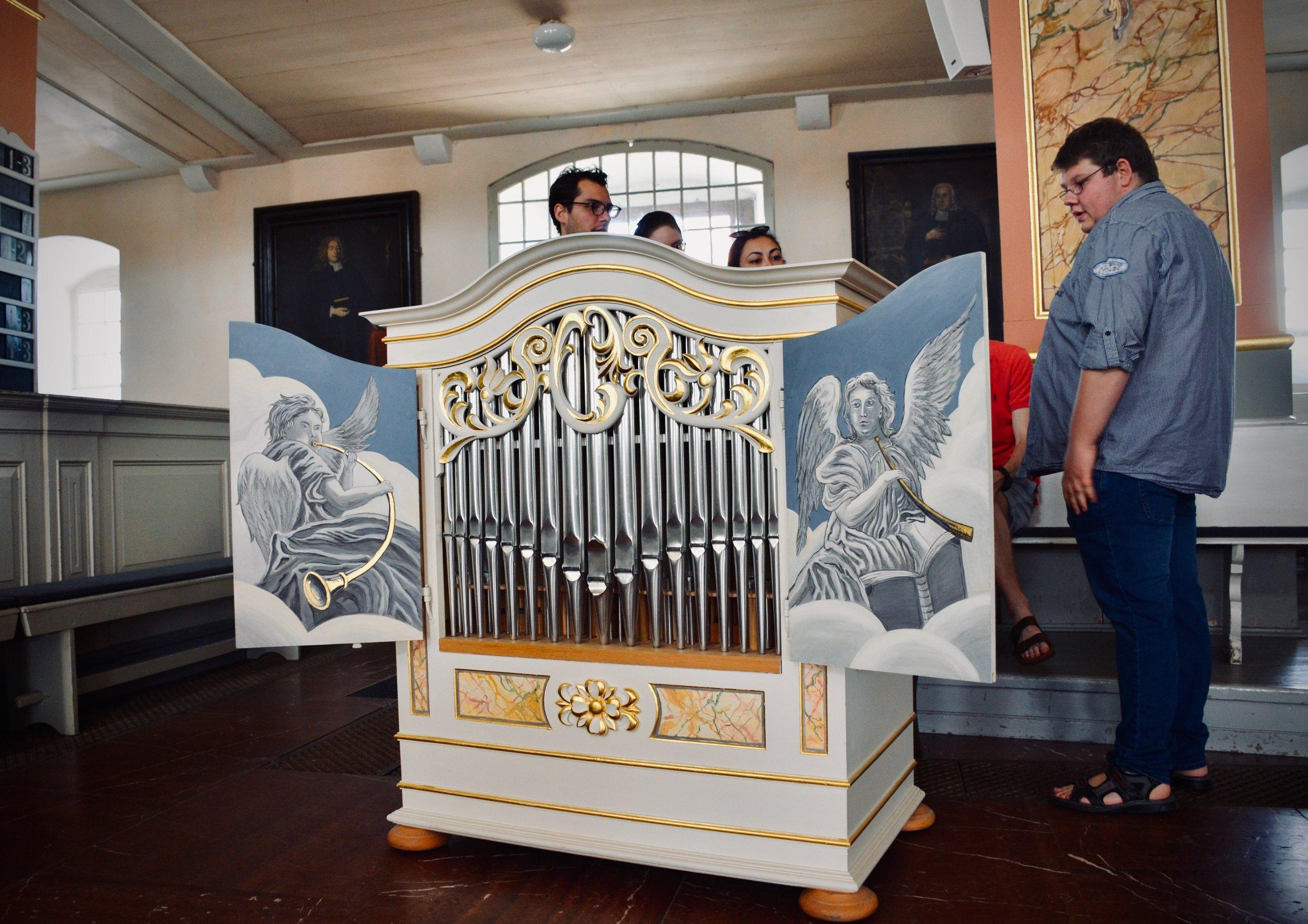 The chamber organ, Stadtkirche, Waltershausen.