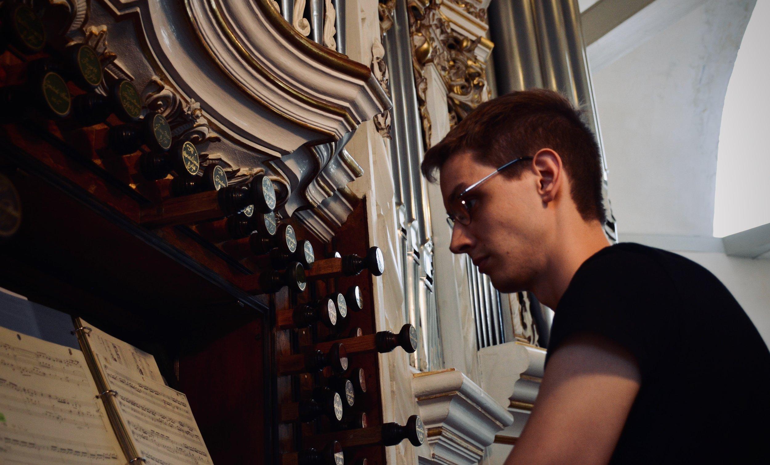 Alex Ross plays the 1730 Trost Organ, Stadtkirche, Waltershausen.