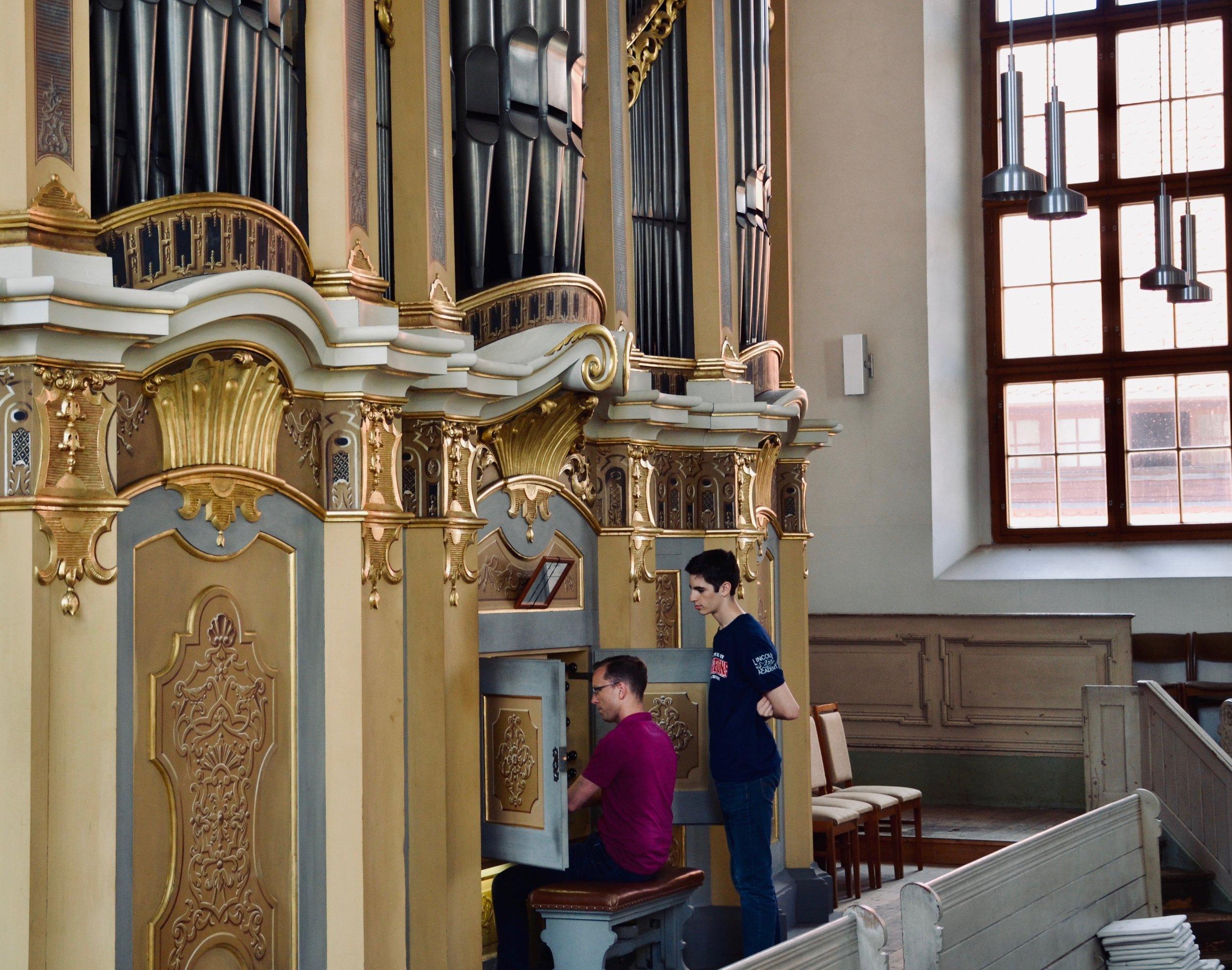 Christian Lane plays the 1735 Gottfried Silbermann organ, St. Petrikirche, Freiberg.