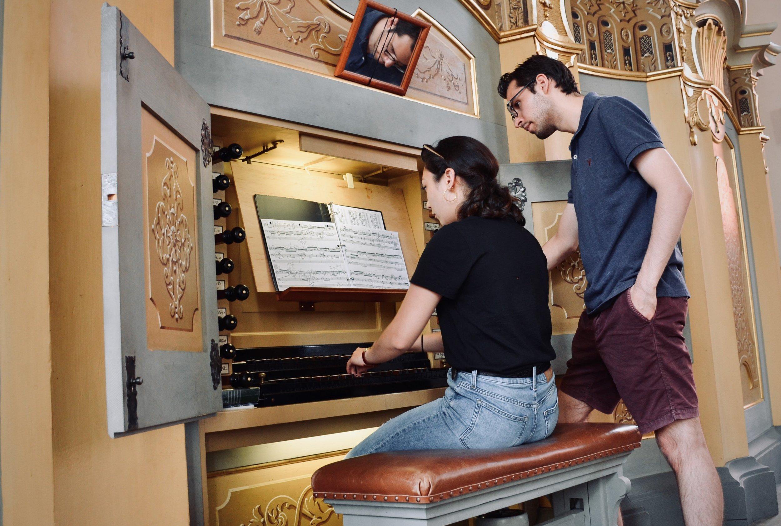 Meg Cutting plays the 1735 Gottfried Silbermann organ, St. Petrikirche, Freiberg.