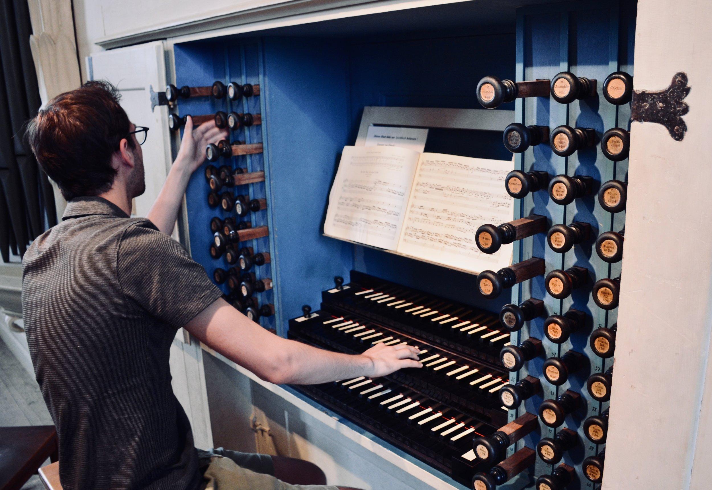 Nick Capozzoli plays the 1746 Hildebrandt Organ, Stadtkirche St. Wenzel, Naumburg.