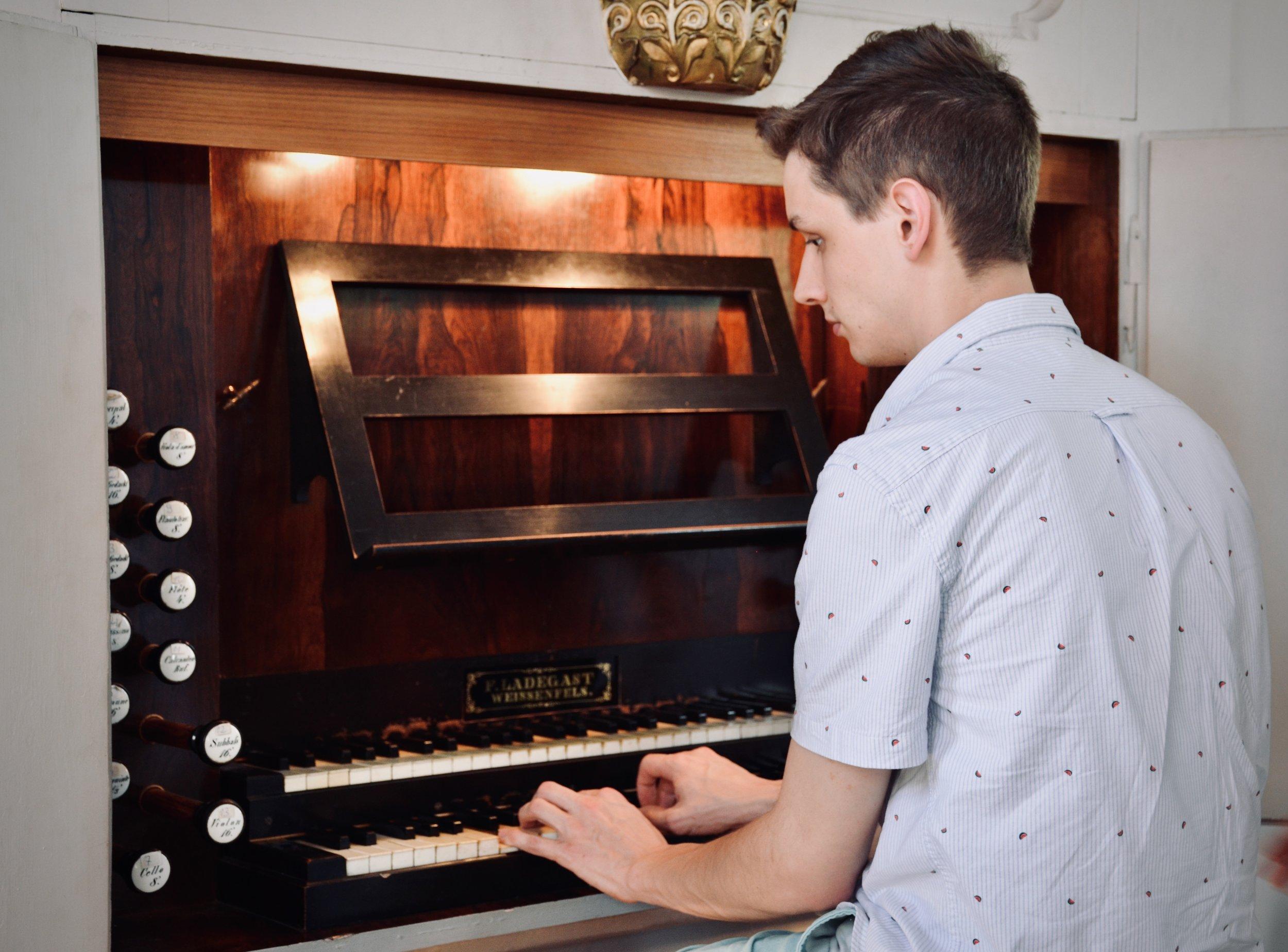 Alex Ross plays the 1869 Ladegast Organ, Marien-Magdalenen-Kirche, Naumburg.