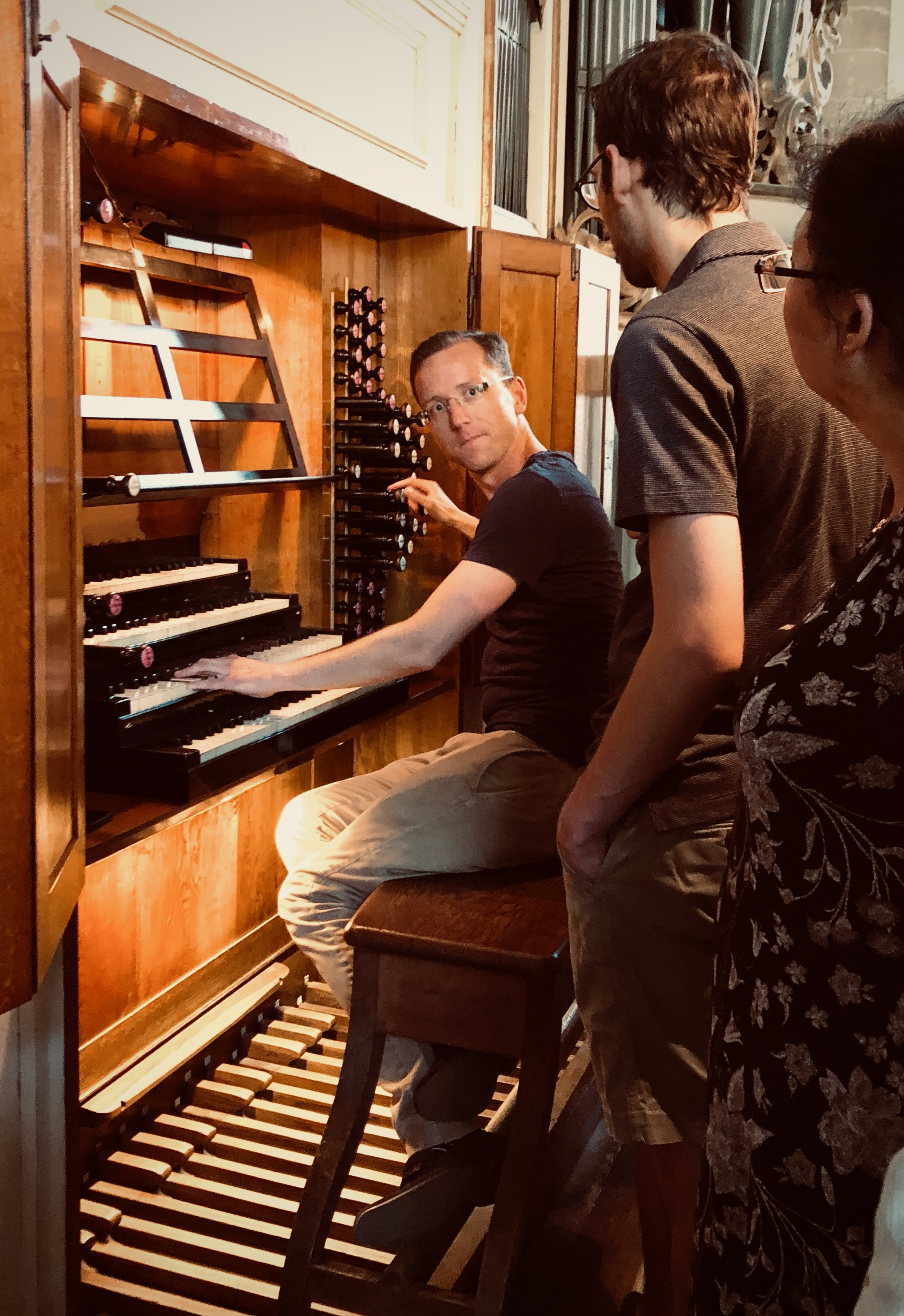 Christian Lane demonstrates the 1855 Ladegast Organ, Merseburg Dom.