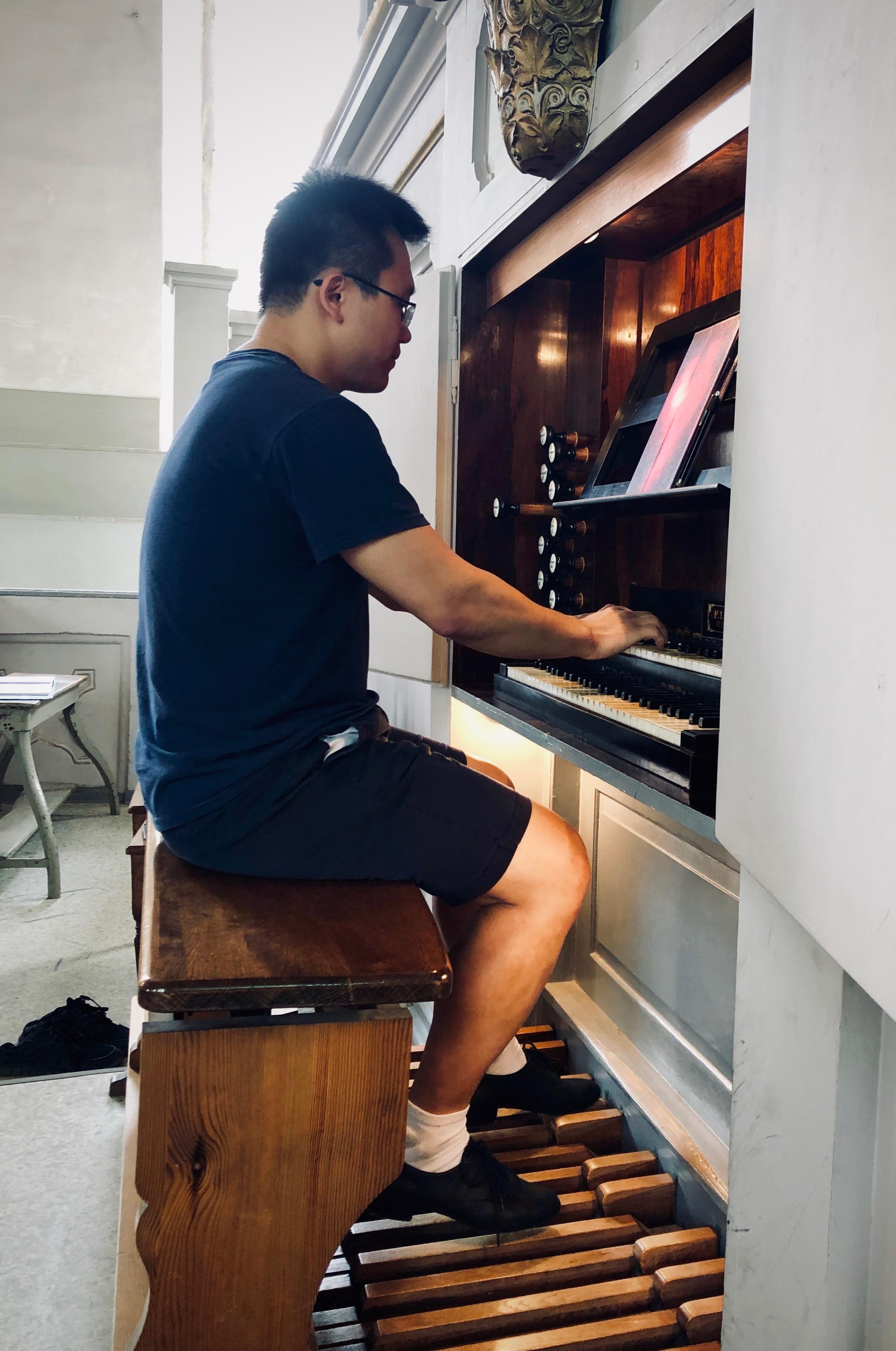 Adrian Cho plays the 1869 Ladegast Organ, Marien-Magdalenen-Kirche, Naumburg.