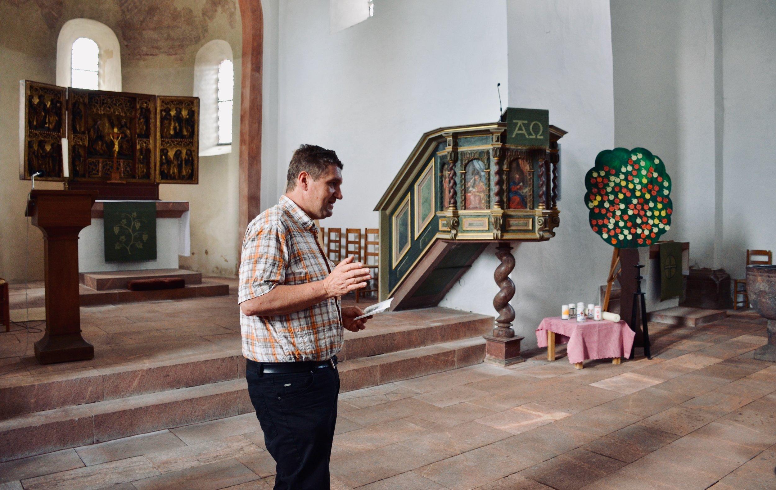 The resident organist of Killianskirche, Bad Lausick, welcomes Boston Organ Studio.