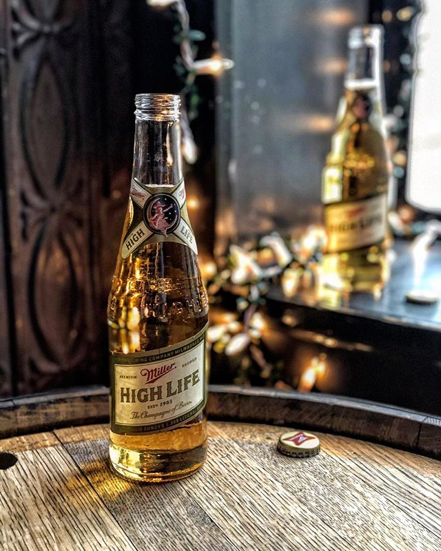 Champagne of Beers 🍻 @millerhighlife x @drinkandgather