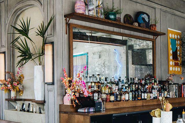 Back Bar 🌱 @youngamericanbar 📸 @johnstoffer ~ . . . . #interiors #interiordesign #interiorphotography #apartmenttherapy #interiorinspo #interiorwarrior #createexplore #createcommune #designinspo #travelphotography #mytinyatlas  #restaurantsdecor #designrestaurants #bardesign #restaurantdesign #hospitalitydesign #worldsbestbars #cocktailbars
