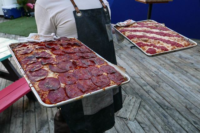 Mondays now with with pizza 🍕 @ludlowliquors