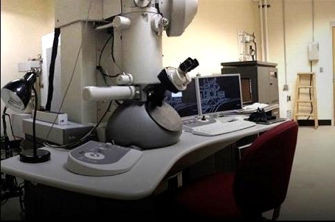 High-resolution transmission electron microscopy (HRTEM)