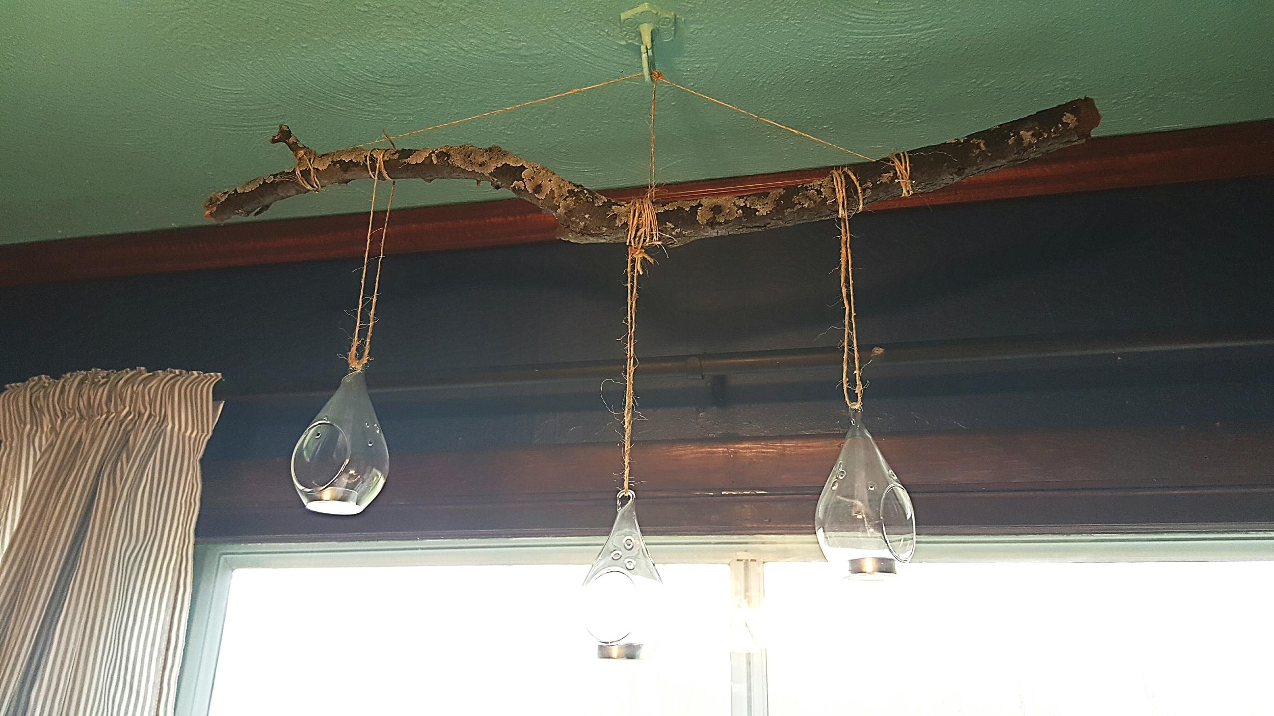 DIY-Twig-chandelier.jpg
