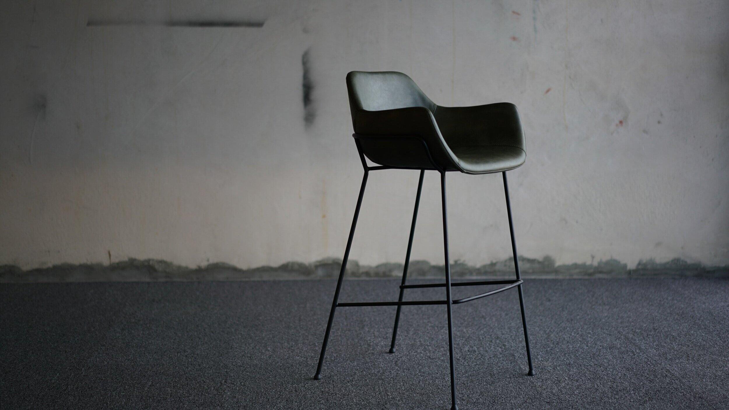 vorsen-furniture-uKFEQfBZonc-unsplash.jpg
