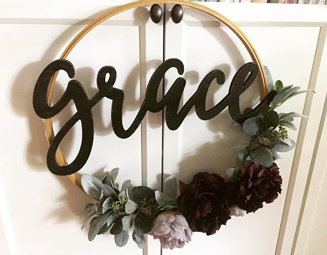 I got my craft on the other day and made this fun wreath! It's made with an embroidery hoop that I painted gold and the greenery is lambs ear & seeded eucalyptus. Layered on top are plum & lavender peonies. I used floral wire to attach the greenery and good ole hot glue to attach the flowers and the wording. All in all this little project only took me about 20 minutes! #graceupongrace #frontdoordecor
