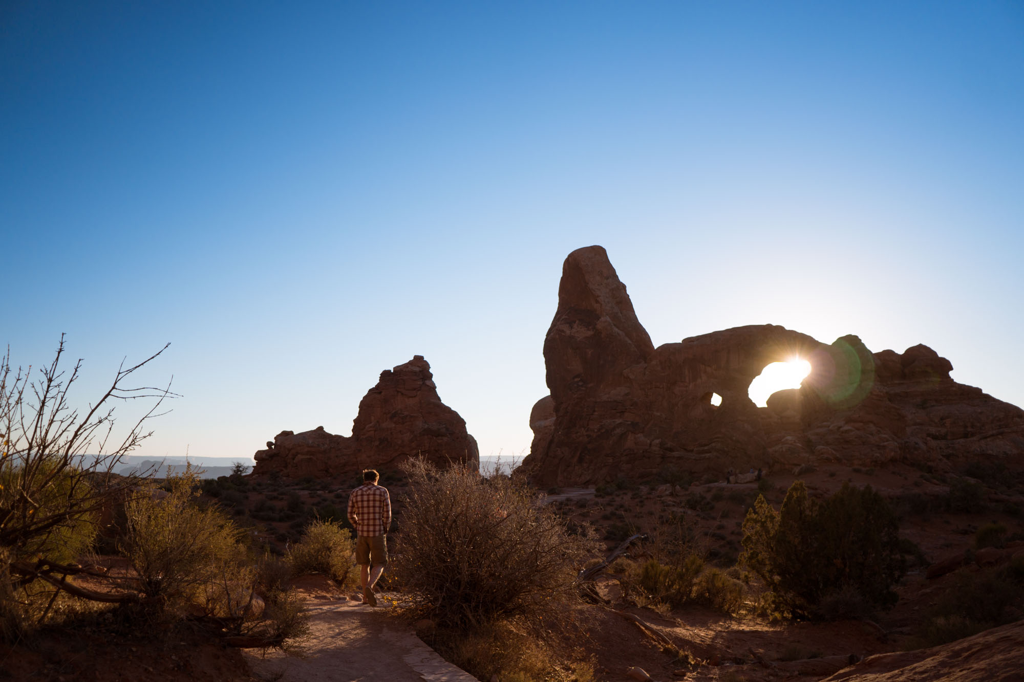 Thomas walking to Window Arch in Arches NP, Utah