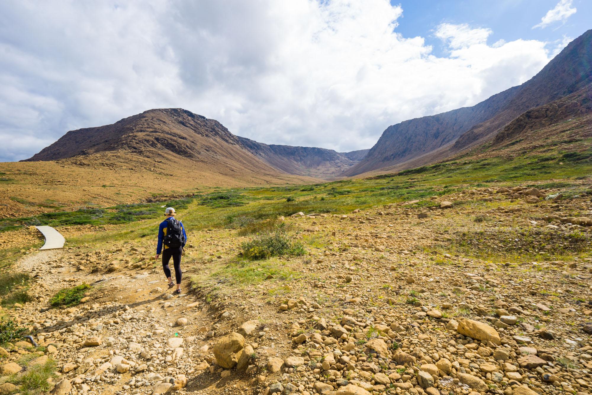 MAK hiking into the Tablelands