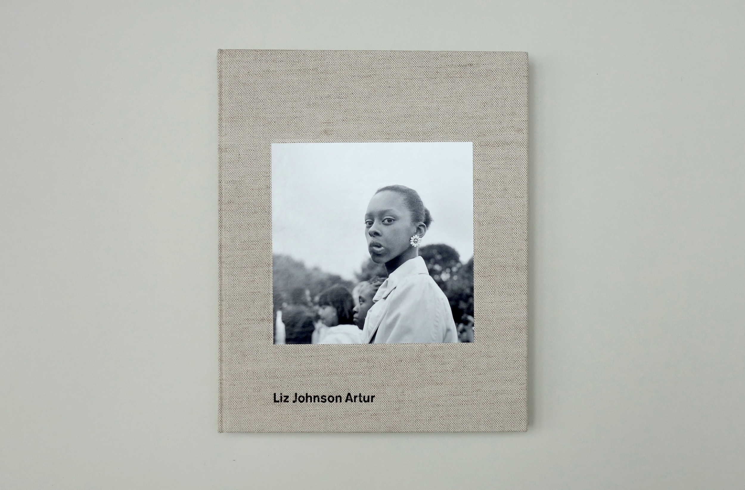 First comprehensive overview of the Russian-Ghanaian's work, capturing more than 30 years.   info & order:  Bierke     cloth hardcover,  22x27cm,  136 pages  with   114 col. & b/w images; design:  Hendrik Schwantes