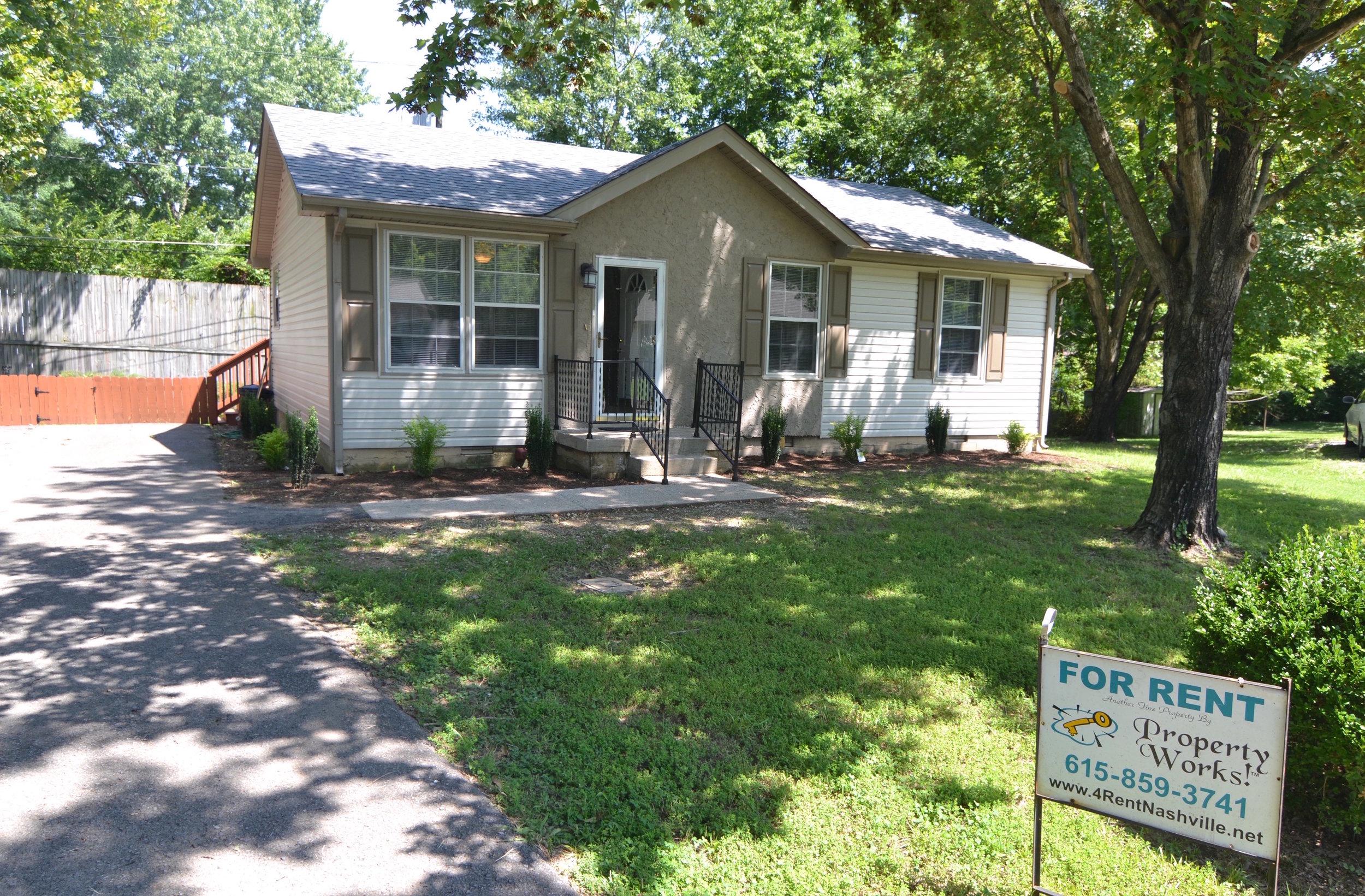 117 RENTED HENDERSONVILLE: 117 Pebble Cr: House: 3 / 1.5