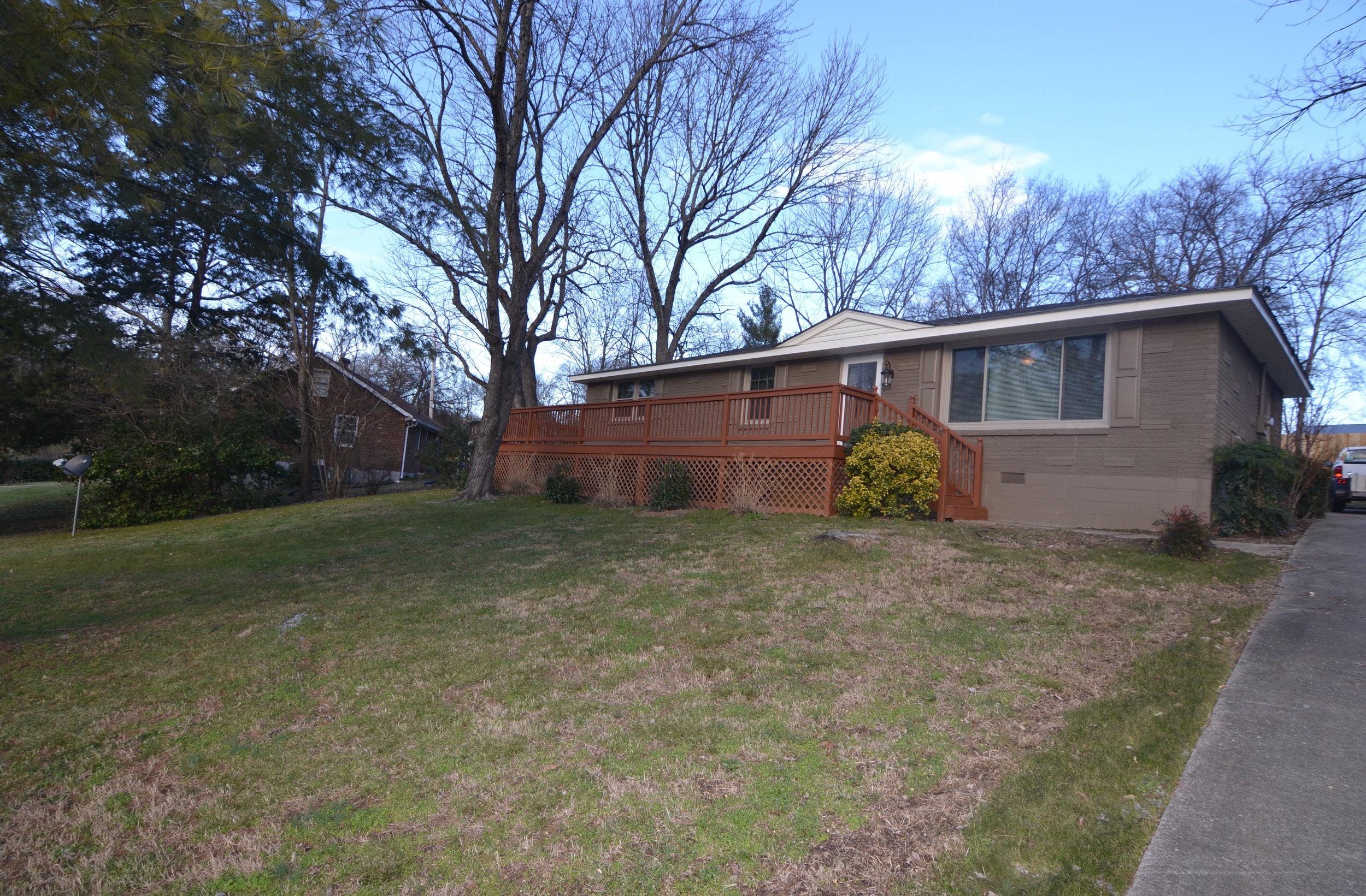 141 Cranwill Dr RENTED   HENDERSONVILLE: Single Family Home  3 Br 1 Ba + 2 Decks