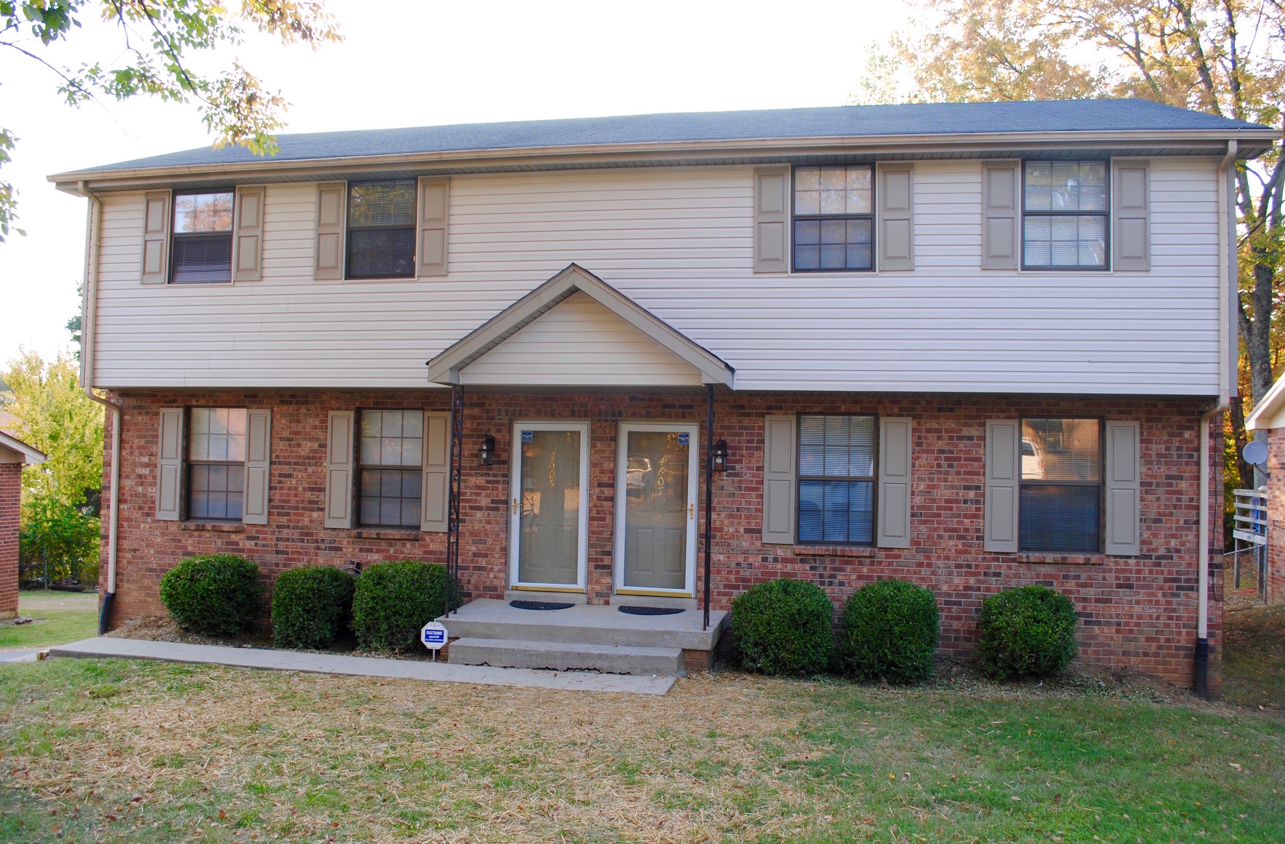 4605 AVAIL Sept 15 / 4607 RENTED HERMITAGE: 4605/07 Forest Ridge Duplex: 3Br 1.5Ba