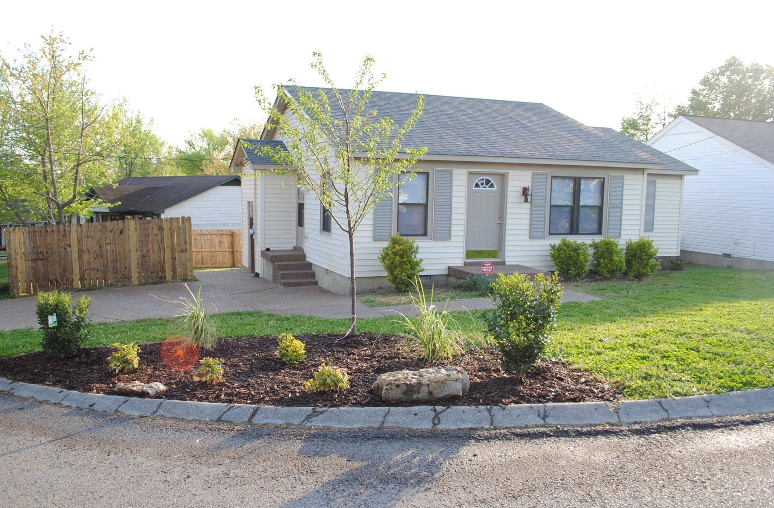 411 Heritage Lane RENTED   MADISON: Single Family Home:  3 Br 1.5 Ba