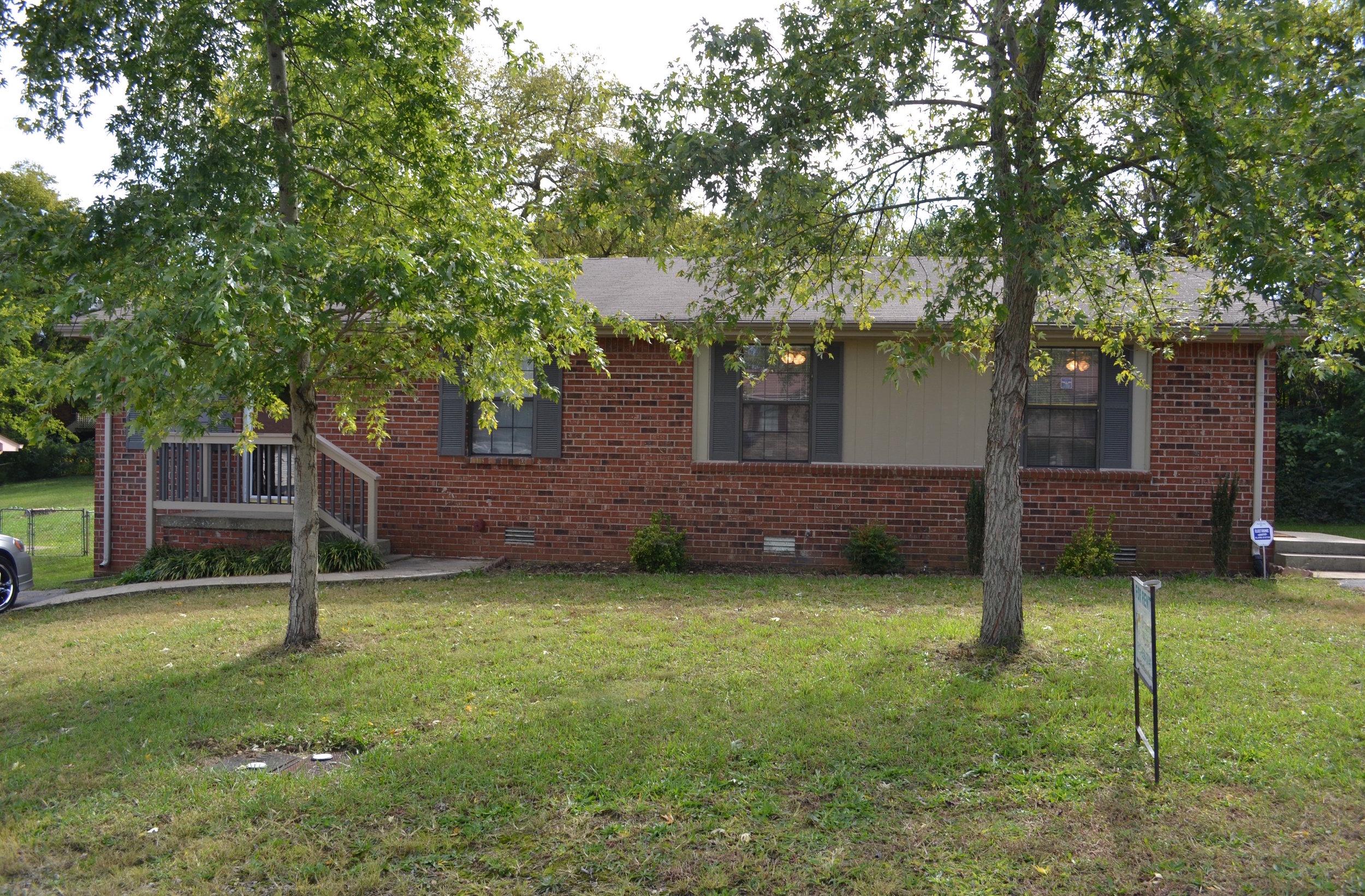 1160 /1162 RENTED  MADISON: 1160/62 Sioux Terrace: Duplex: 2 Br, 1 Ba