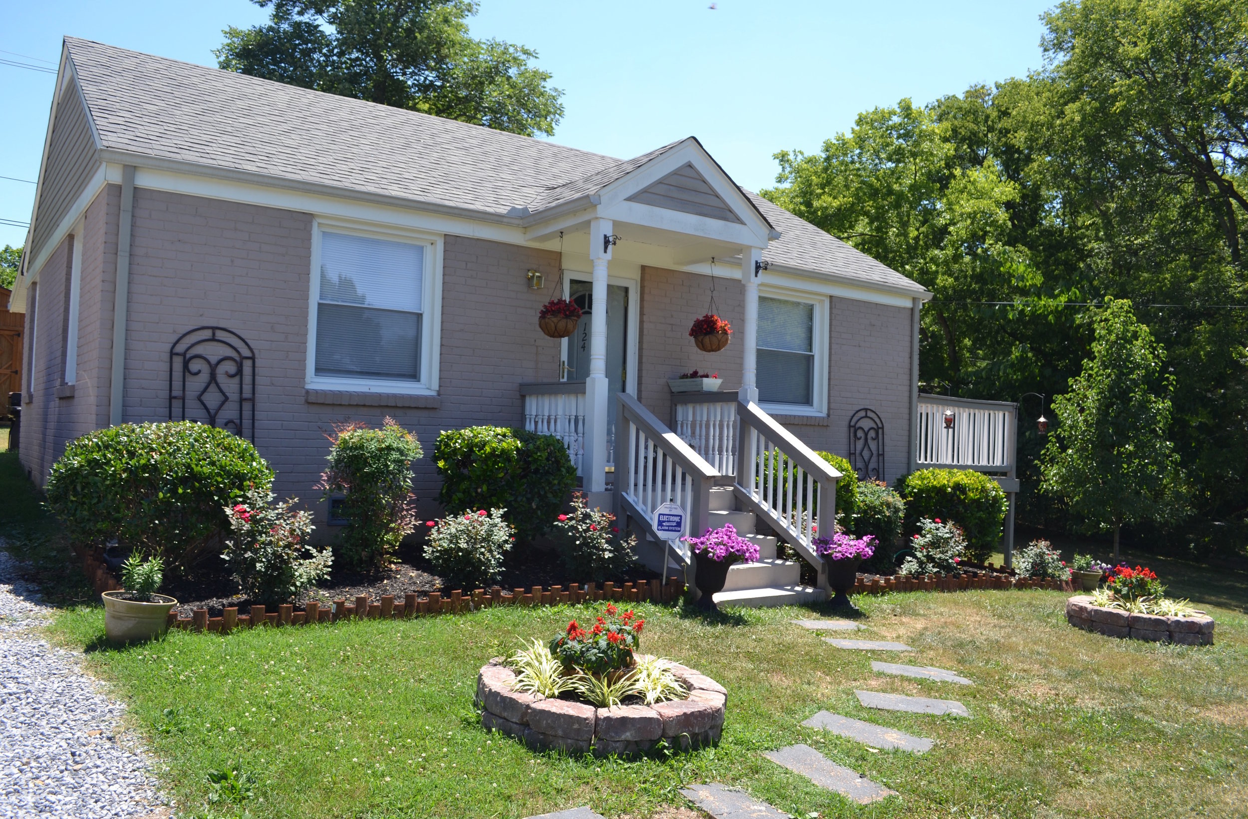 124 JUST RENTED   MADISON: 124 E Due West:  Home: 2 Br, 1 Ba