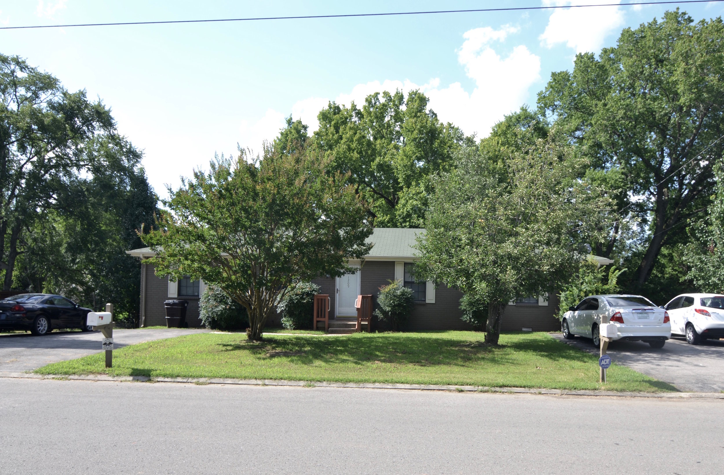 1211 JUST RENTED  1209 RENTED MADISON: 1209/11 Sioux Terrace: Duplex: 2 Br, 1 Ba 100% Remodel Just Completed
