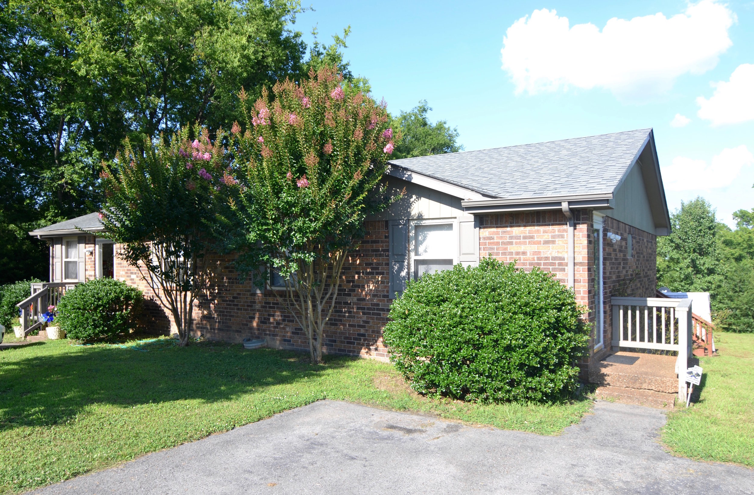 1405 /1407 RENTED MADISON: 1405/07 Indian Woods: Duplex: 2 Br, 1 Ba