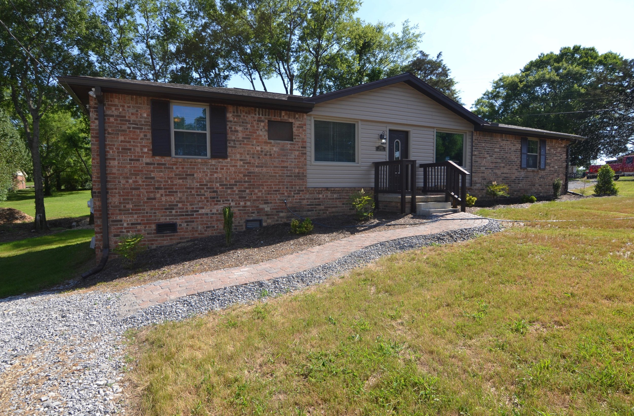 1156 /1158 RENTED  (100% Remodeled) MADISON: 1156 Sioux Terrace: Duplex: 2 Br 1 Ba