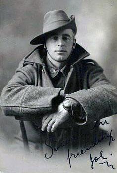 australian-recruit-in-slouch-hat-2-350.jpg