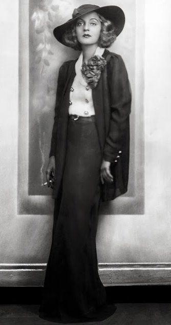Tallulah Bankhead - 1928 - Photo by Paul Tanqueray .jpg