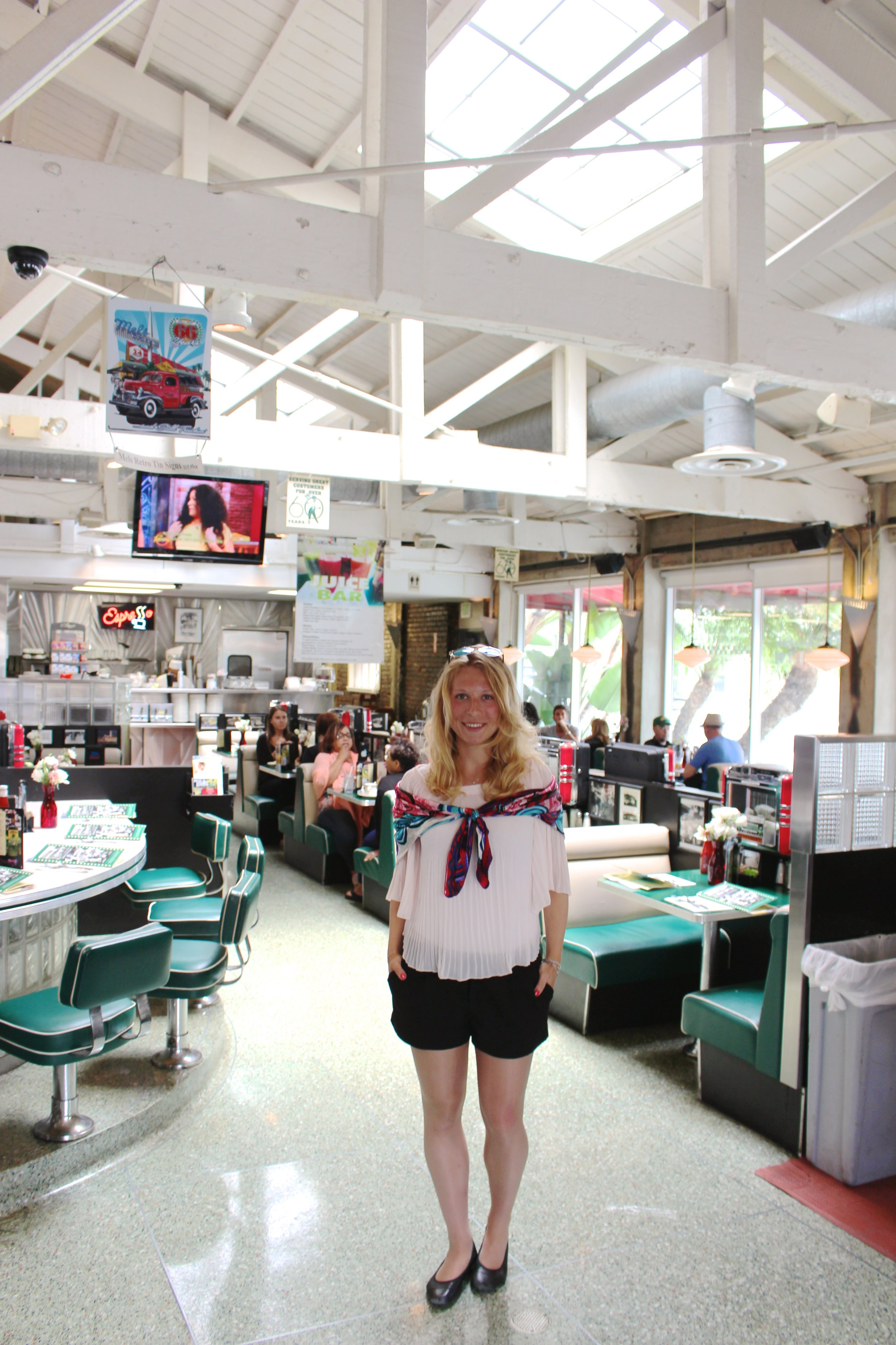 Mels -> Coolest diner in LA :)
