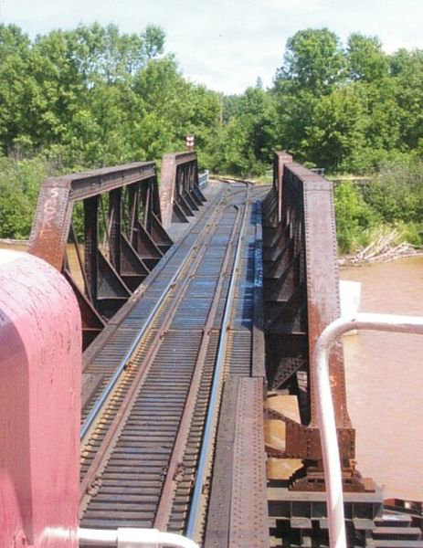 E&LS Ontonagon River Bridge Looking Towards Paper Mill From West End Of Bride 2008 [GregBunce].jpg