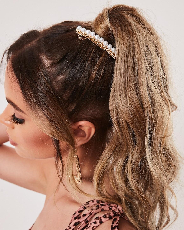 pearl-and-chunky-chain-hair-clip.jpg