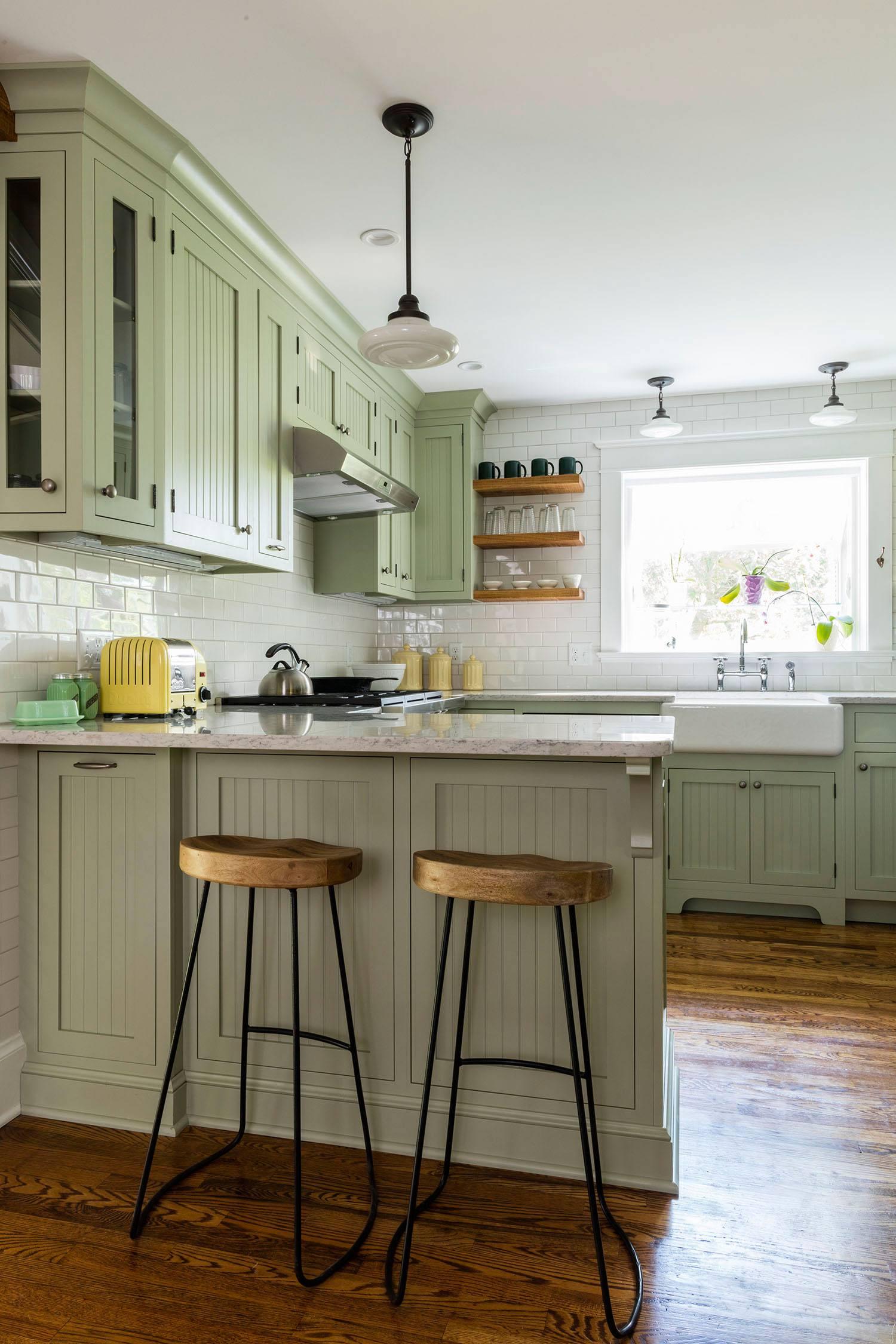 modern-vintage-kitchen-peninsula-seating.jpg