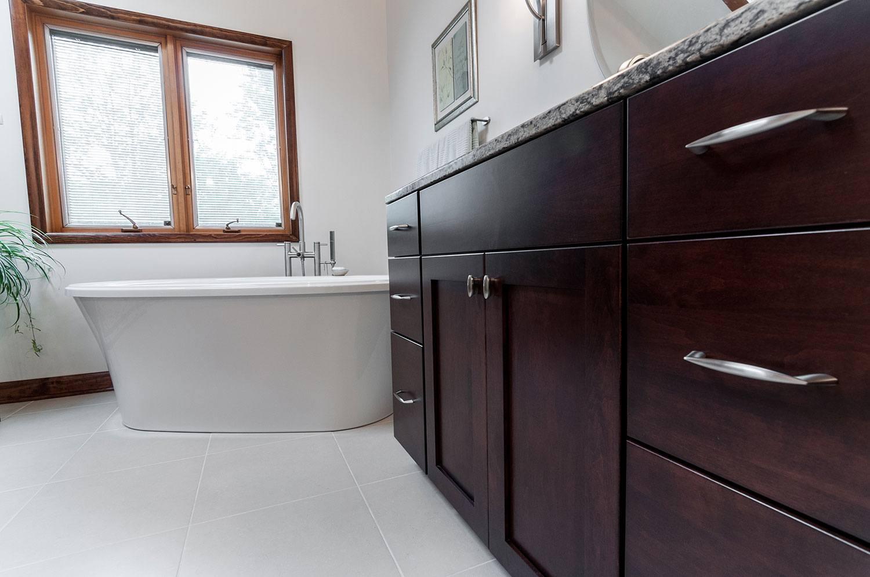 soaking-luxury-bath-freestanding-tub.jpg