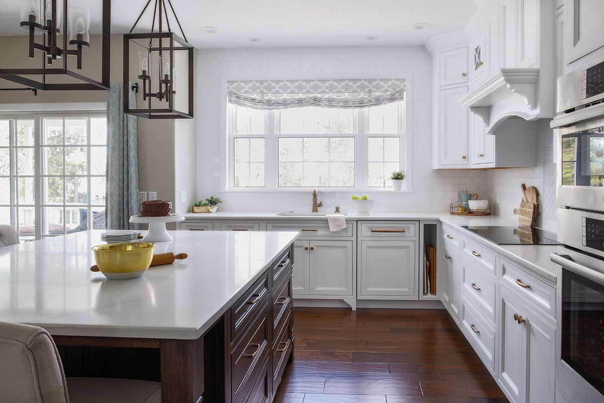 warm-traditional-kitchen-island.jpg