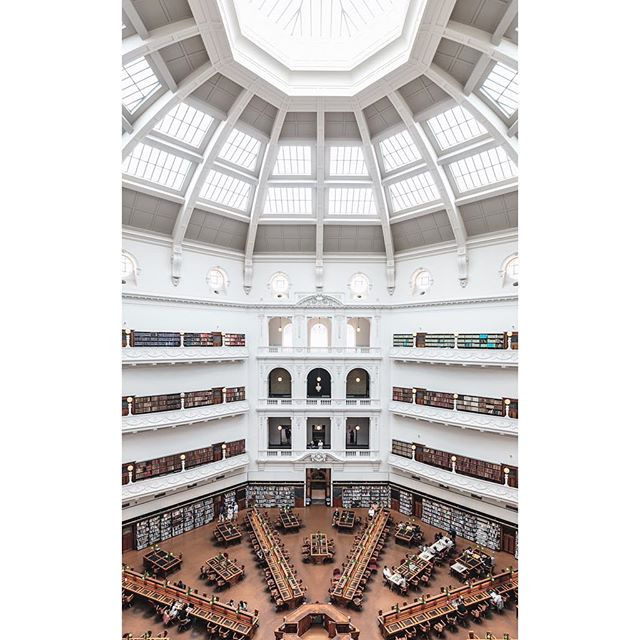 Had to make a stop at @library_vic. Part of me wishes I would have taken time to get a unique shot of this space, but the lines and light were so mesmerizing I was completely fine with this classic set-up.