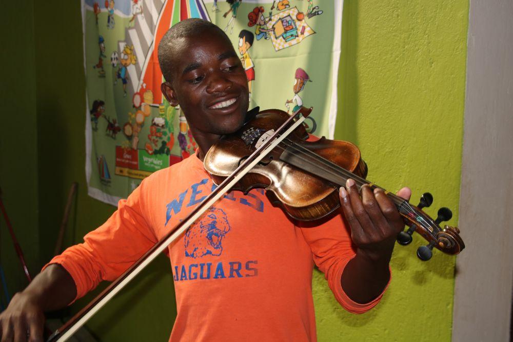 Mep-Henry with Violin.jpg