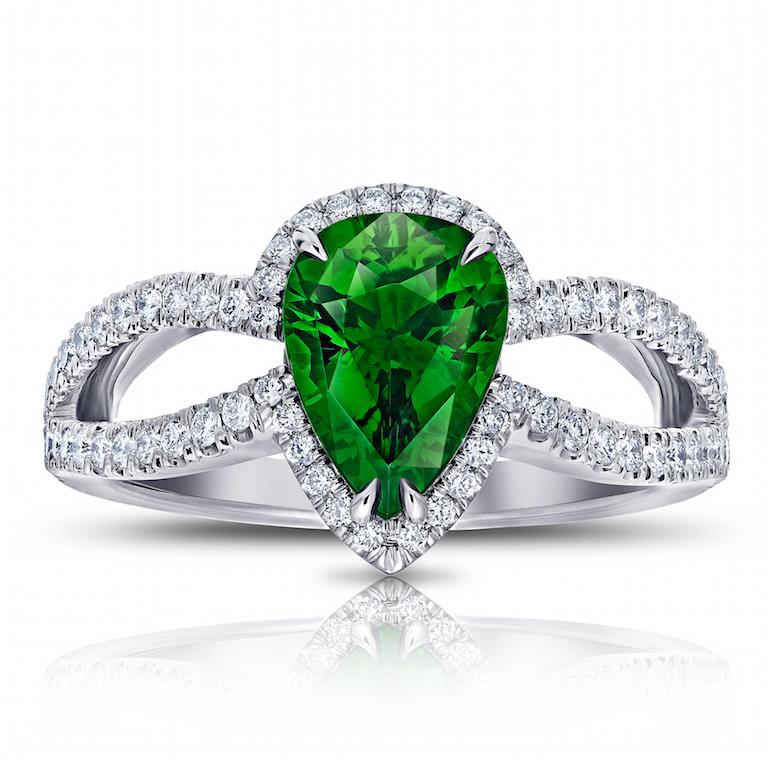 engagement ring tsavorite, diamond, platinum