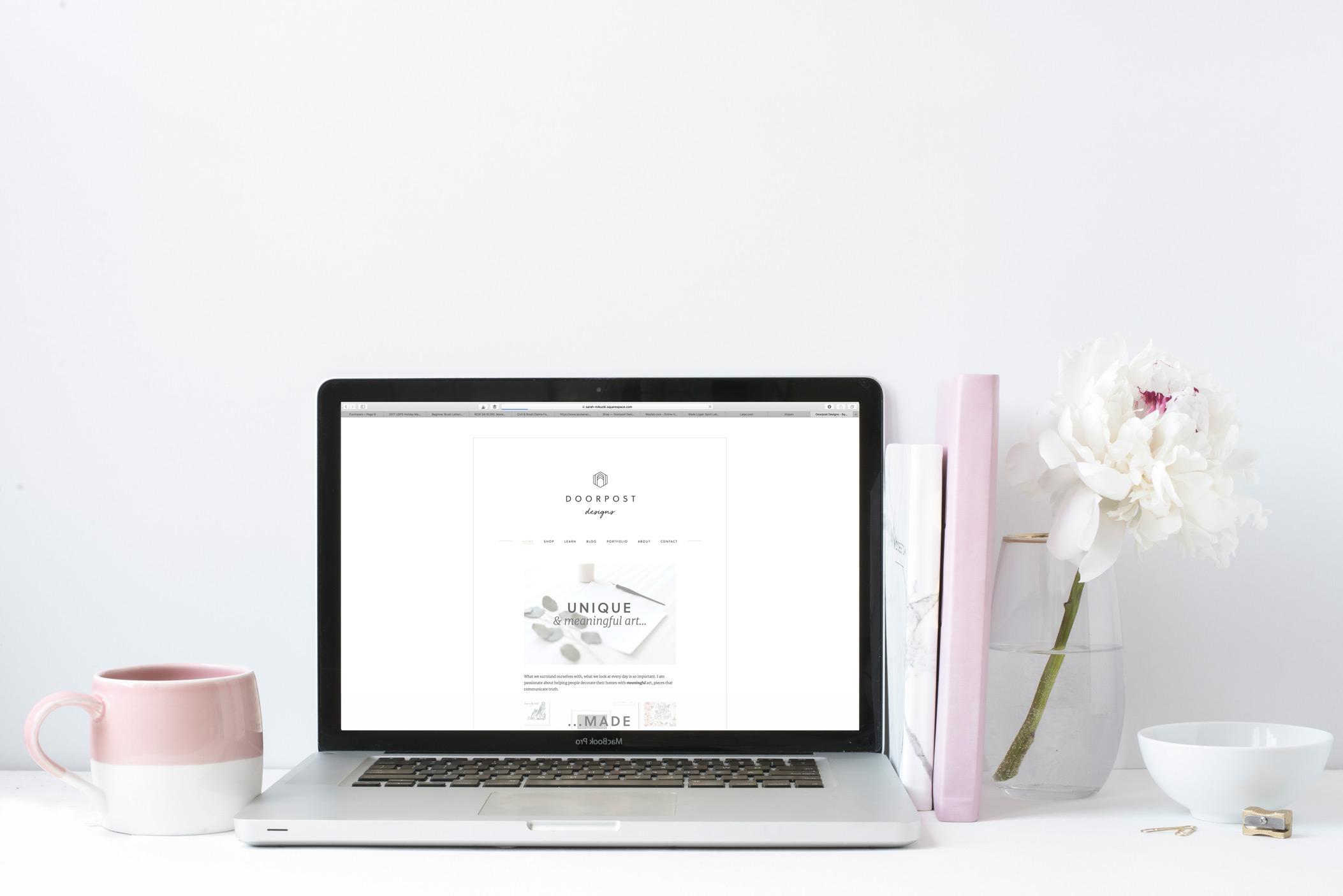 SM2-MRBLE-PNY-laptop-flipped.jpg