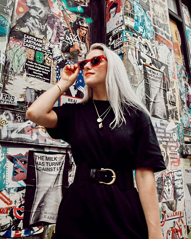 Extra extra, read all about it🗞(I love how Shoreditch is plastered in art and posters.) Have you seen my new blog post from Sunday? It's about how the accessories can make or break an outfit. Check the link in my bio to have a read and see the photos by the lovely @labsocial_creative ❤️