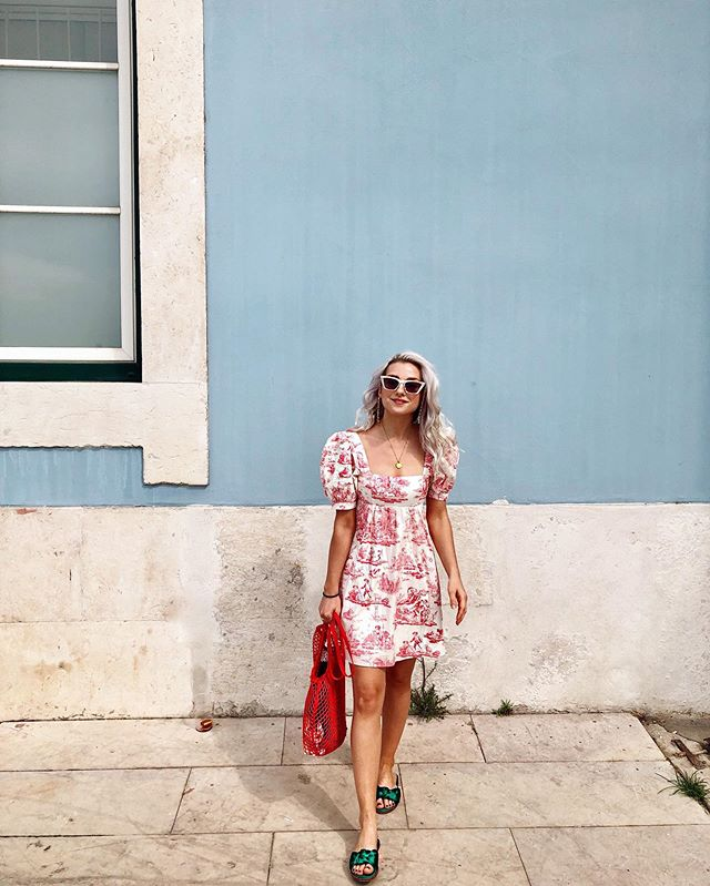 My current favorite outfit❤️ Wore this on our second day in Portugal while exploring Cascais beach and going on a boat tour along Lisbon's coast. What a good day. Prepare yourself for a plethora of Portugal content... photo creds: @megan__marye